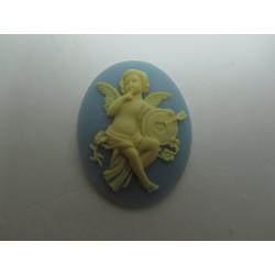 Cammeo Resina  Ovale  40x30 mm Putto con freccia Ivory/Light Sapphire - 1 pz