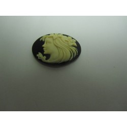 Oval Resin Cameo  25x18 mm Woman  Ivory / Black - 1 pc