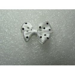 Fiocchetto  in Tessuto  24x17-18  mm Bianco  pois Neri -   2 pz