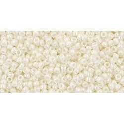 Rocailles Toho 15/0 Opaque Lustered Navajo White